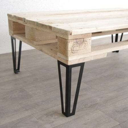 Pied de meuble en metal 17 cm ref vest17 pyeta for Pied table design