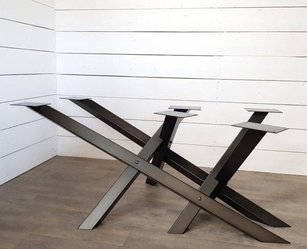 pied-de-table-croise-acier