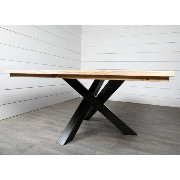 Pied de table tripode